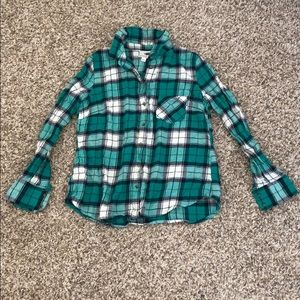 NEW PLAID GREEN AND WHITE BUTTON DOWN !